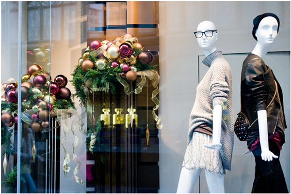 A magia do Natal invade as vitrines das lojas com decoração