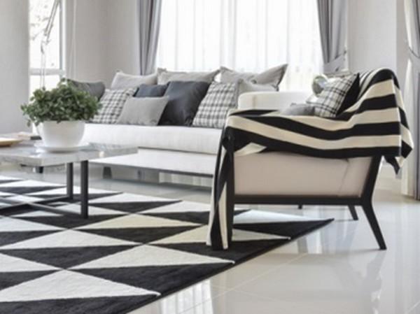 Ambiente com elementos preto e branco