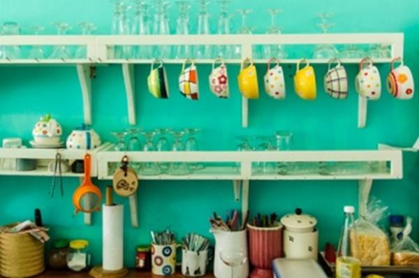 Cozinha com cores alegres