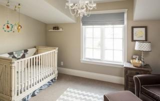 Tons neutros na decoração de quarto de bebê