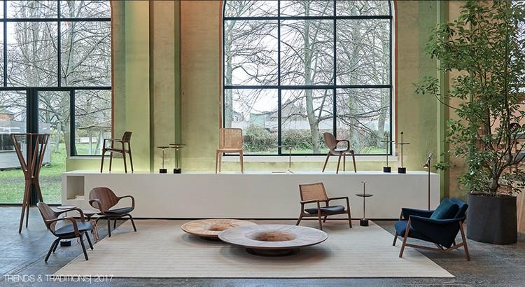 Composição com cadeiras modernas